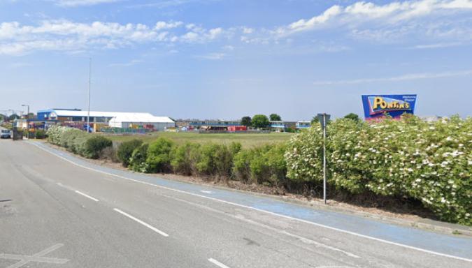 Pontins Prestatyn - Google Maps